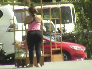 Candids booty amp hips in tight blk pants...