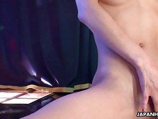亞洲脫衣舞孃在手淫上變得瘋狂的