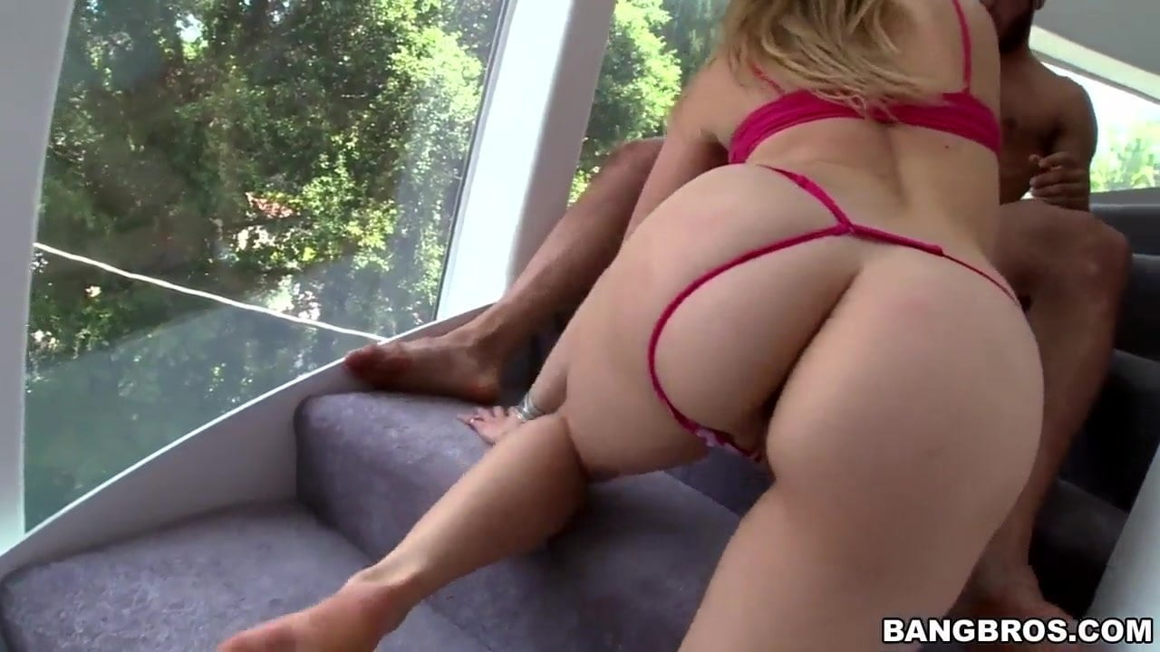 Perfect round ass Mia Malkova gets banged