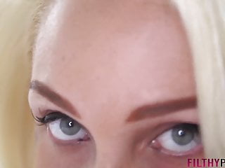 Pawg blonde alexis gives filthypov...