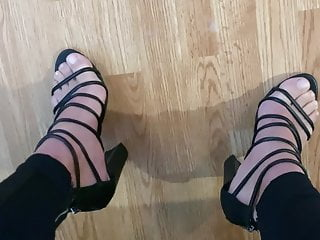 Cumming sexy strappy black heels...