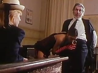 Blowjob Threesome Lesbian video: Ma Mere Me Prostitue (Vintage 1982)