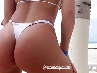Hot blonde incredible ass 7...