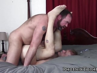 Mature stud deepthroats before bottoming in bear bareback