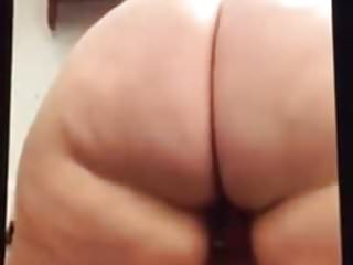 Randi shaking that ass...
