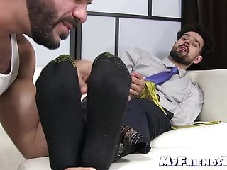 Bearded hunk Ricky Larkin sucks his friends feet and toes
