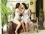 love women kissing women