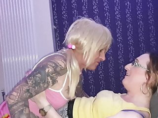 Sissy Charlotte eats out my vagina and he or she is a rapid learner