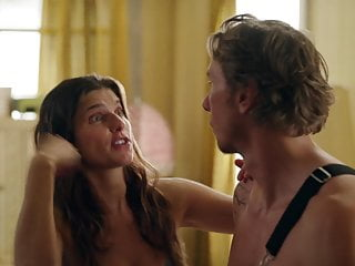 Lake Bell - ''Bless This Mess'' s2e02