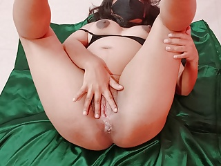 Indian cuckold wife shared with bull – video shot by hubby