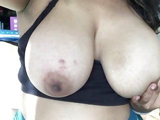 Big Boobs Indian Hottie Exposing Online 17