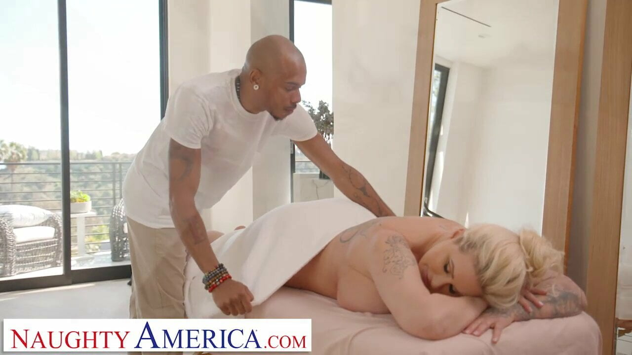 Naughty America – Ryan Conner pulls out masseuses cock