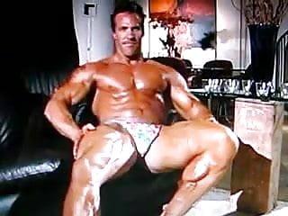 Bodybuilder bulge 2 iid...