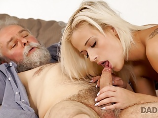 Daddy4 very gentle with his son weet gf...