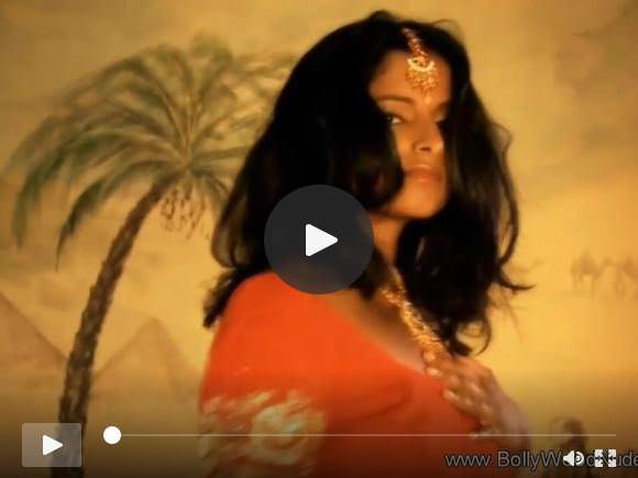 भारतीय गुरु लड़की ने अपनी सारी सुंदरता का खुलासा किया