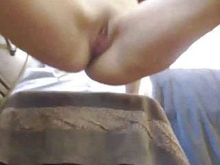 Shaking with a quick dildo enjoy and squirting