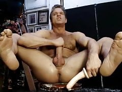 Hairy chest canadian muscular daddy wanking off his cock