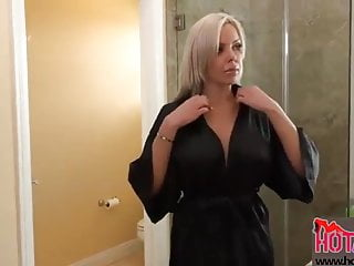 stepdaughter pussy MIlf her teaching to lick