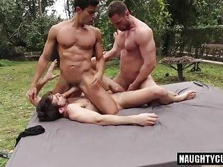 Quarentine 3some flip...