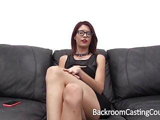 Casting Slave si soffoca fino all orgasmo anale
