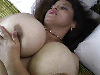 Procace mamma matura naturale ha bisogno di una bella scopata