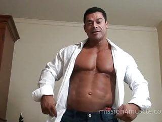Zeus the huge nude bodybuilder...
