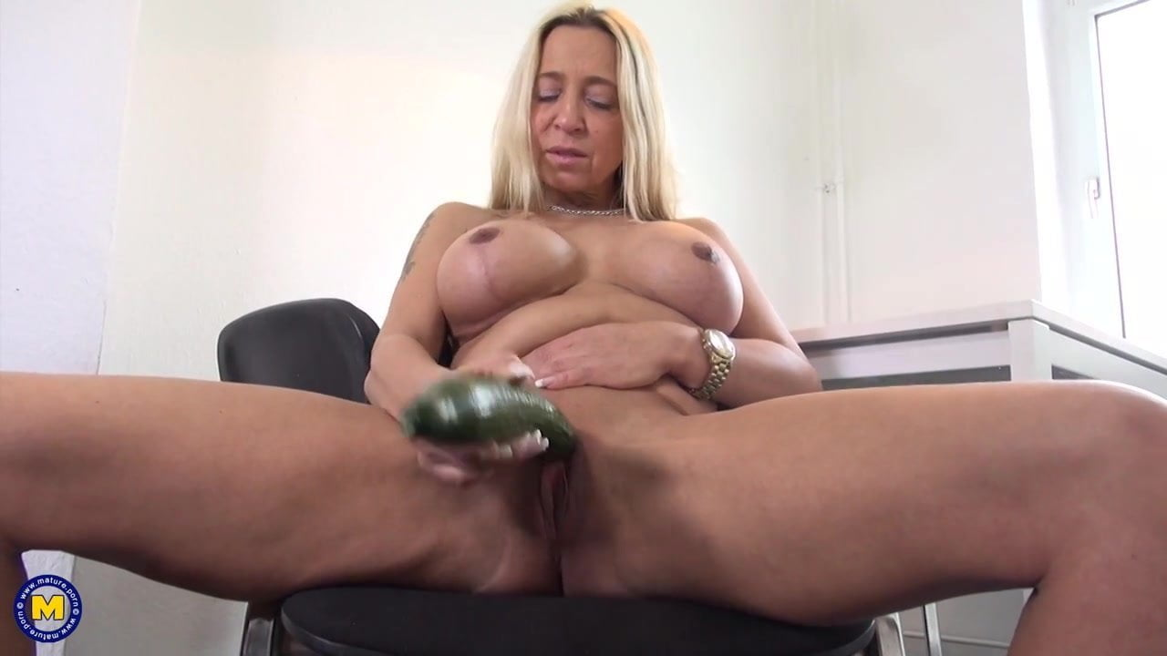 Busty Mom Porn Hd busty mom catches young man while wanking - mature, old