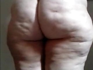 Fat show your ass and pussy...