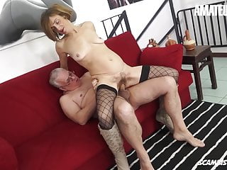 Amateureuro dirty granny lulu visconti gets some anal...