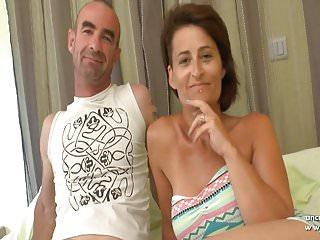 Procace moglie francese amatoriale DP e sborra ricoperta da una gangbang