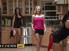 Kortney Kane Lexi Swallow - Hanky Panky - Brazzers