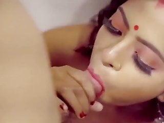 बालों वाली भारतीय सफेद पूर्व प्रेमिका blowjob