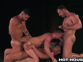 Austin wolf amp 3 muscle hunks fucking daddy...