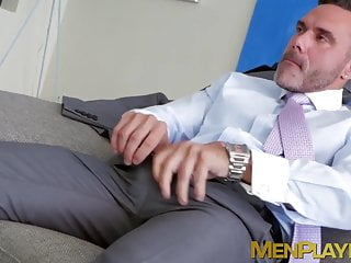 Threeway with a bodybuilder and two men in a suit and tie
