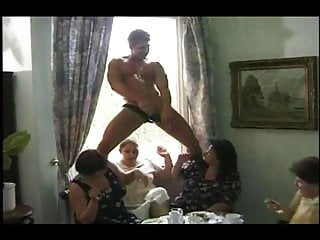 Curvy mature beauties fuck party 720 hd...