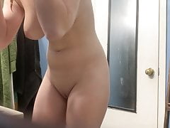 sister's friend in bathroom Porn Videos