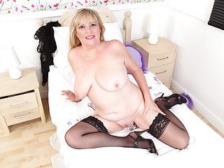 gilf British her pleases fanny Alisha plump Rydes