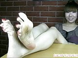 Lovely feet with nice sexy bunions