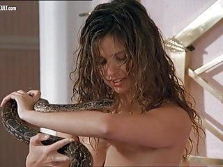 Debora Caprioglio nuda nel film Spiando Marina Nuove clip