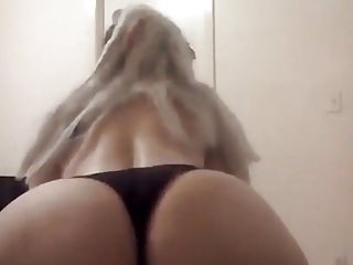 Hot blonde nice tits sexy ass...