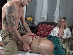 hot amateur babe getting her ass massaged and pussy lickedfree full porn
