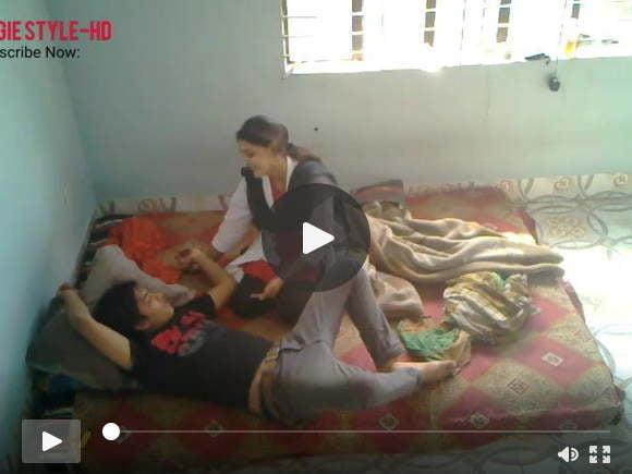 इंडियन मेडिकल स्टूडेंट ने फ्राइडे में छोटे बॉयफ्रेंड के साथ चुदाई की