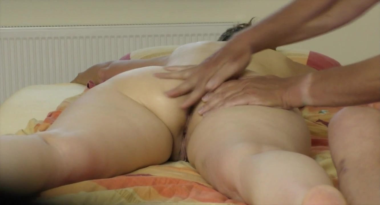 Amateur Wife First Huge Dildo
