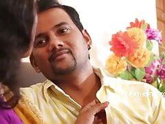 Shabana Aunty has hot romance wearing a saree