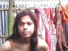 Indian girl make selfie video for BF