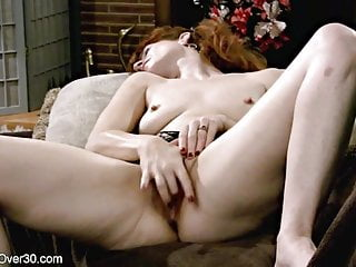 Steaming hot mom ginger give herself some finger pleasure
