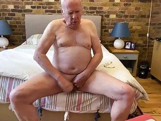 سکس گی Daddy having a quick wank masturbation  hd videos handjob  gay daddy (gay) daddy