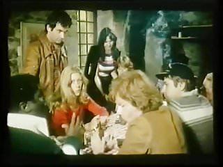 nains les preferent blondes Les (1977)