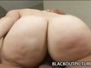 Teen babe Leenuh Rae playing a black dick