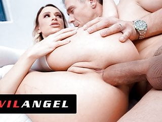 EvilAngel – Emma Hix Turned Inside Out From Ass Plowing